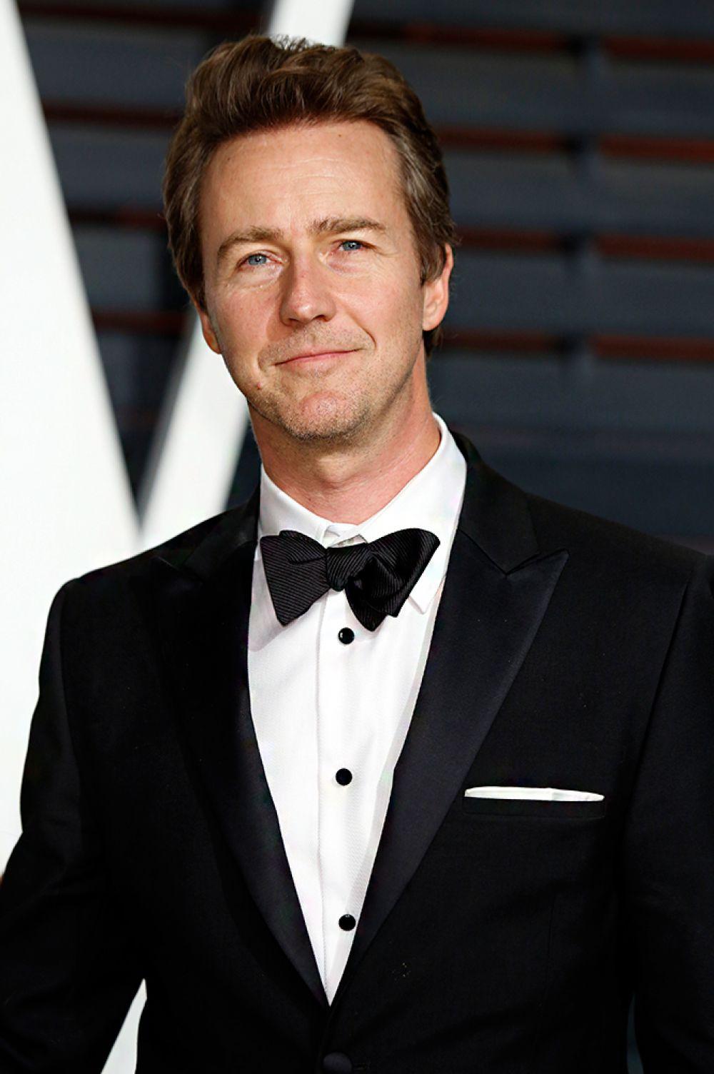Трижды на «Оскар» номинировался Эдвард Нортон, его последняя номинация пришлась на 2015 год за роль в фильме «Бёрдмен». Но Нортон так ни разу и не получил заветной награды, что удивительно, ведь 10 последних фильмов с его участием собрали в мировом прокате почти 1 млрд долларов.