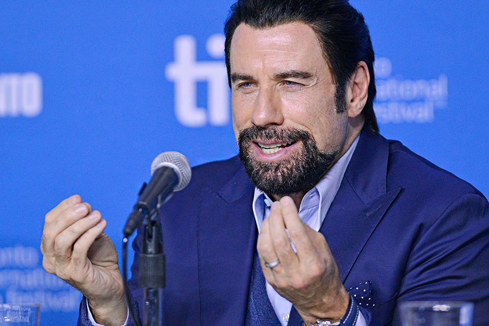 Джон Траволта отметился знаковыми ролями в фильмах «Бриолин» и «Криминальное чтиво». Он лауреат премии «Золотой глобус», тем не менее «Оскара» у него так и нет, лишь две номинации за фильмы «Лихорадка субботнего вечера» и «Криминальное чтиво».