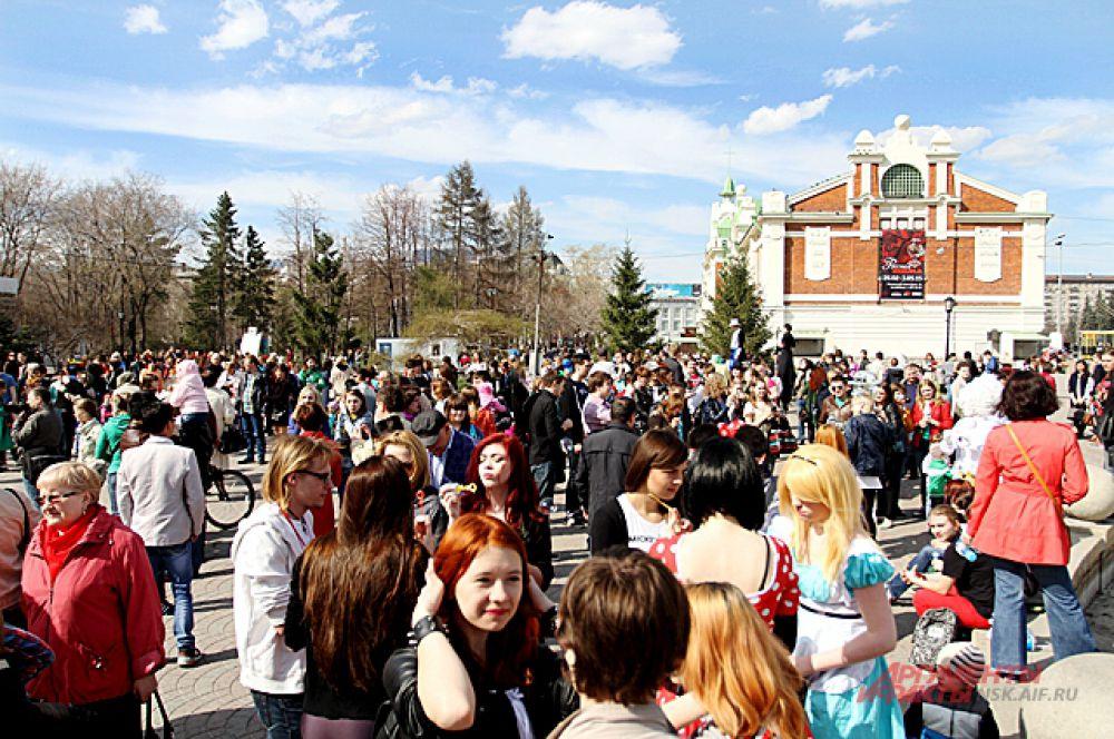 На этот раз Дримфлеш собрал несколько сотен человек.