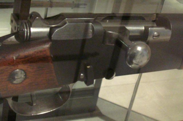 Затвор винтовки Лебеля.