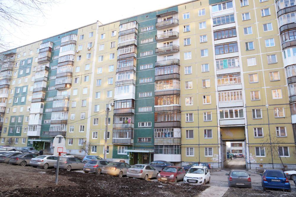 В одном только квартале пришлось обесточить квартиры пятерых неплательщиков.