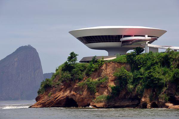 Музей современного искусства. Нитерой, Бразилия.