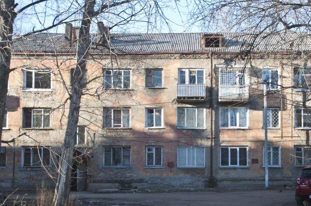Много домов в Омской области нуждаются в капитальном ремонте.