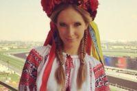 Катя Осадчая в вышиванке