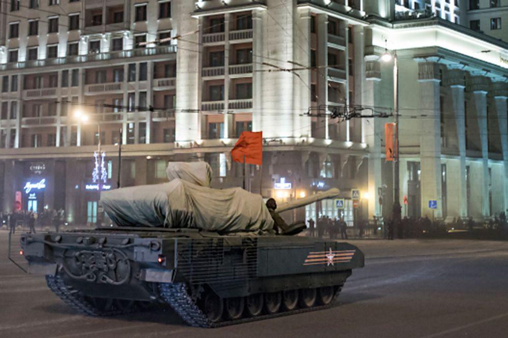 Танк Т-14 на гусеничной платформе «Армата».