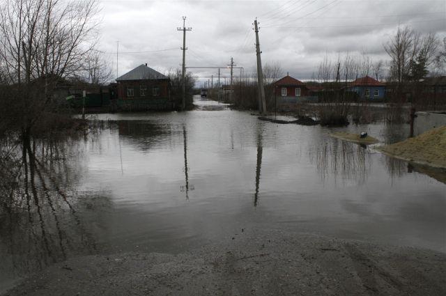 Жителей эвакуируют из подтопленных районов
