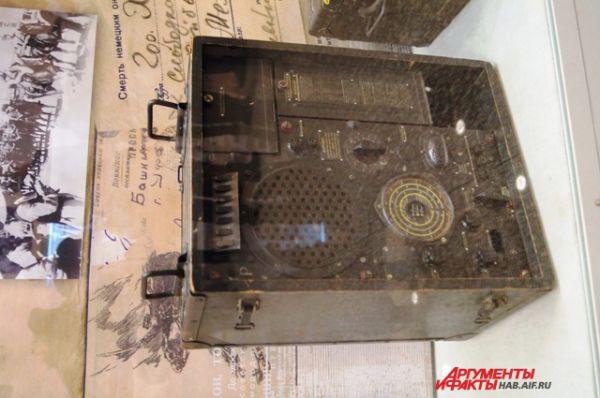 Радиоприёмник полевой, трофейный. Германия 1942 г.