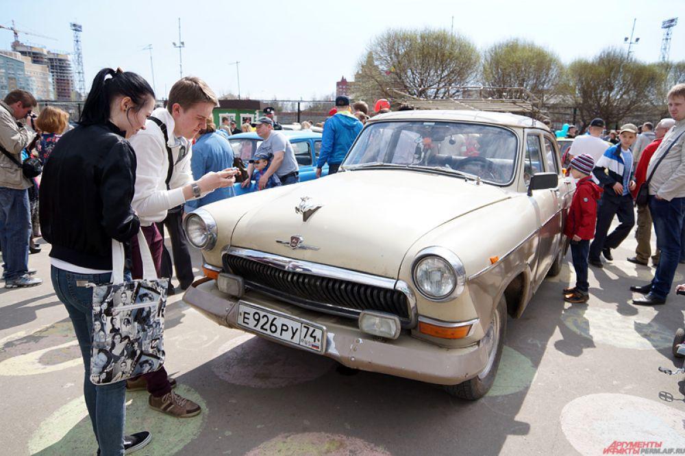 Там представлены такие автомобили, как знаменитый «Запорожец» и легендарный «Москвич».