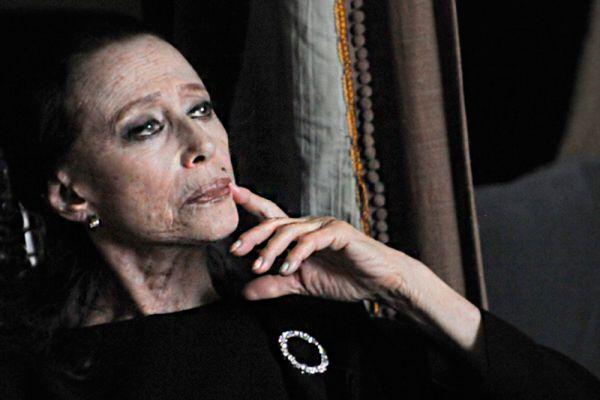 Раньше считалось, что в 30 лет балерина должна закончить карьеру и уйти на пенсию, но Плисецкая изменила это негласное пенсионное законодательство. Когда она танцевала «Кармен» в Большом театре, ей уже было 42 года. В 47 она исполняла главную партию в балете «Анна Каренина». И в 60, и даже в 70 Майя Плисецкая продолжала блистать на сцене.