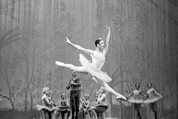 Специально для Плисецкой кубинский балетмейстер Альберто Алонсо поставил балет «Кармен-сюита». Другими хореографами, ставившими для неё хореографические партии, были Юрий Григорович, Ролан Пёти, Морис Бежар.