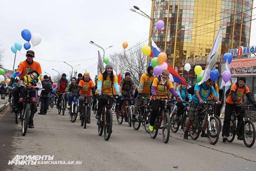 Велосипедисты Камчатки - участники шествия.