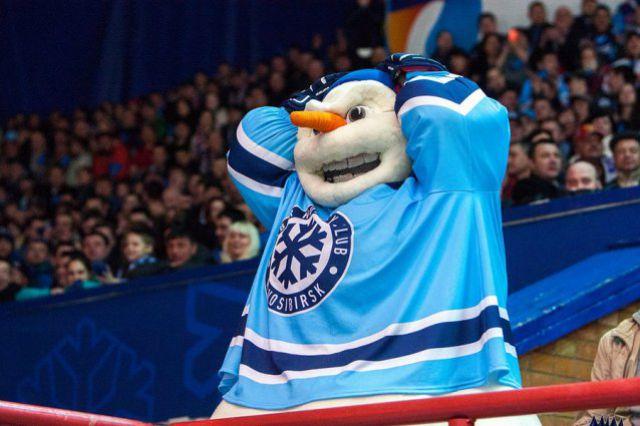 Хоккейную «Сибирь» покинули шесть игроков