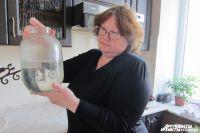 Жители переживают, что пить такую воду опасно для жизни.