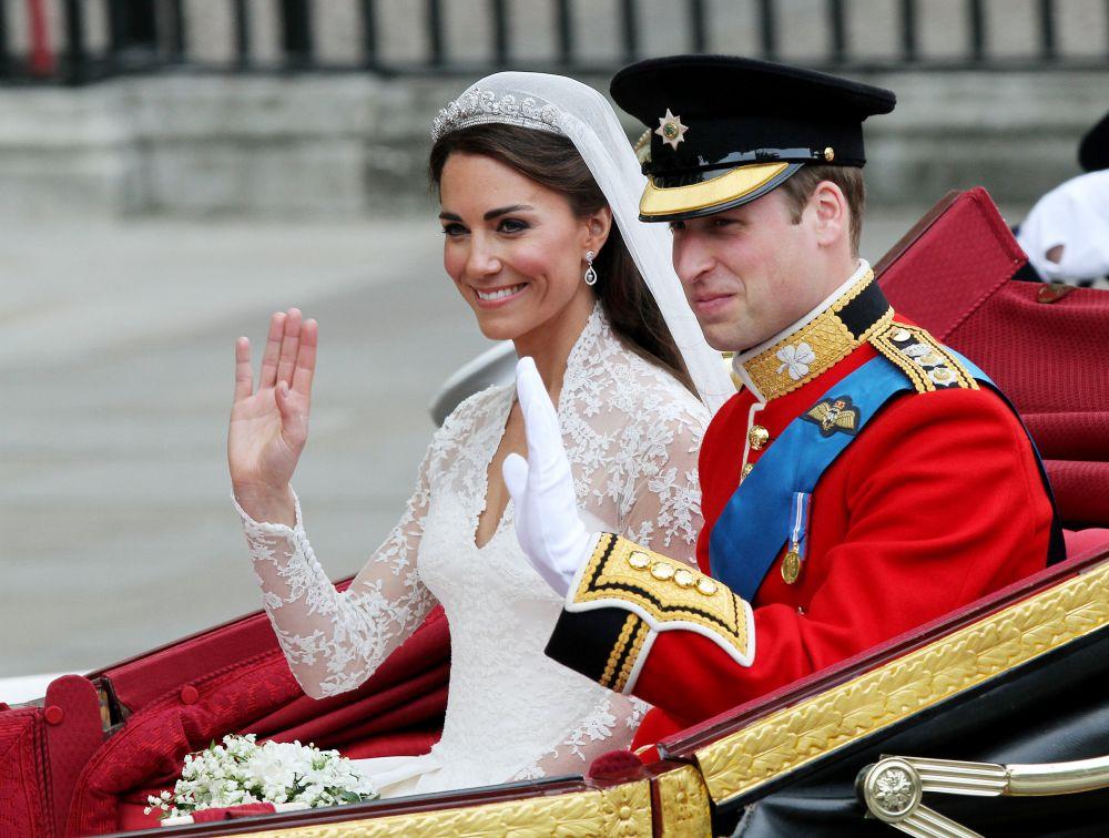 29 апреля 2011 года в Вестминстерском аббатстве в Лондоне состоялась свадьба принца Уэльского Уильяма и Кэтрин Миддлтон. Королева Елизавета II пожаловала молодой паре титул герцога и герцогини Кембриджских.
