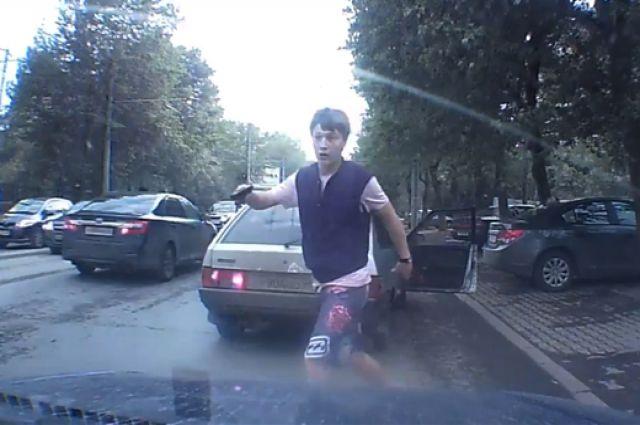 Автохам Игорь Новоселов предстанет перед судом за избиение таксиста