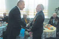Каждый год 9 мая Скергей Шеметов поздравляет своих земляков - ветеранов войны и тыла.