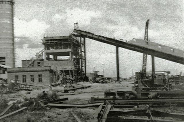 Строительство главного корпуса ТЭЦ-2.