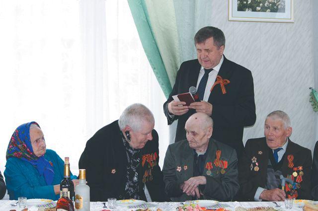 24 апреля на прием мэра пришли все ветераны войны Казачинско-Ленского района.