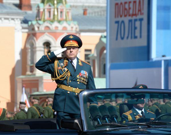 Командующий парадом Победы главнокомандующий Сухопутных войск РФ генерал-полковник Олег Салюков.