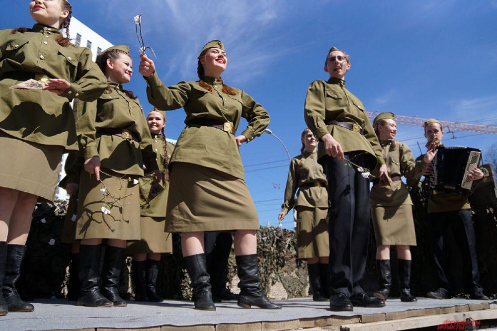 В рамках Всероссийской акции «Эстафета Вечного огня» в Пермь прибыл огонь, зажженный в Москве у могилы Неизвестного солдата.
