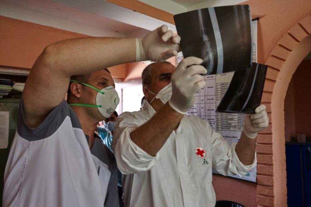 Также в Непале ведется работа специалистов психологической службы МЧС России.