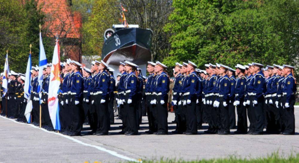 Военнослужащие Балтийского флота во время репетиции Парада Победы в Балтийске.