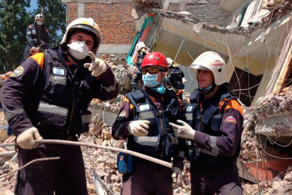 Группа отряда «Центроспас» завершила работы в районе города Дадингбеси, что в 90 км северо-западнее Катманду.