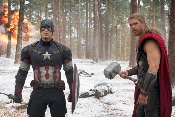 «Проклятие вот уже второго фильма о Мстителях в том, что микс из десятка героев не дает мультипликационного эффекта — у Уидона получается громко и плохо». Тимофей Становой, GQ.