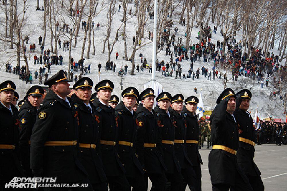 Военнослужащие парадных расчетов.