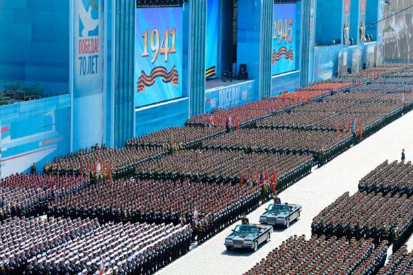 Министр обороны РФ, генерал армии Сергей Шойгу во время военного парада в ознаменование 70-летия Победы в Великой Отечественной войне 1941-1945 годов.