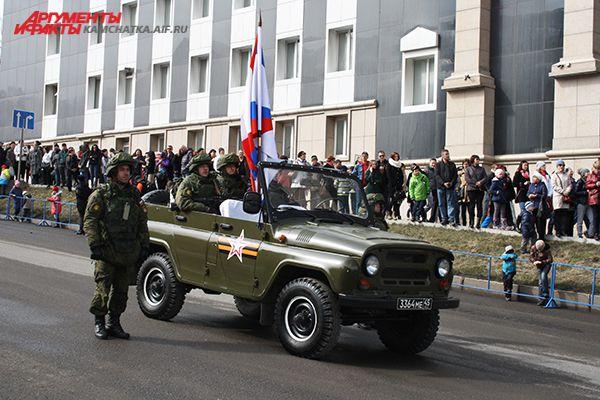 Парад с участием военной техники прошел впервые на полуострове.
