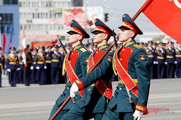 Военный парад - уважаемая всеми традиция и неотъемлемая часть праздника 9 мая.