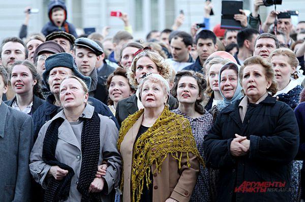 А 9 мая 2015 года в Новосибирске началось так же, как 70 лет назад.