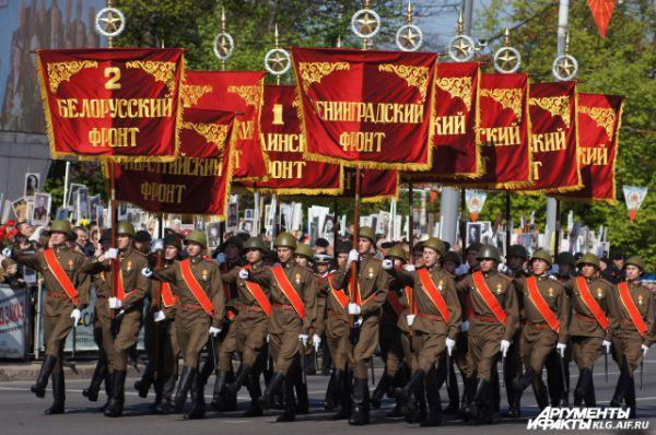 Участие в параде приняли более 2 тысяч военнослужащих Балтийского флота и других силовых ведомств региона.