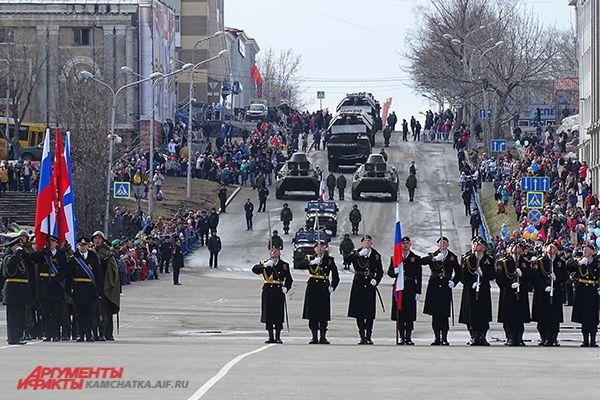 Торжественный парад Войск и Сил на Северо-Востоке России.