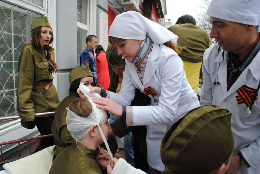 Работают медсестры