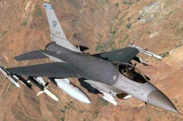 Истребители F-16 сопроводили самолеты из Калининграда.