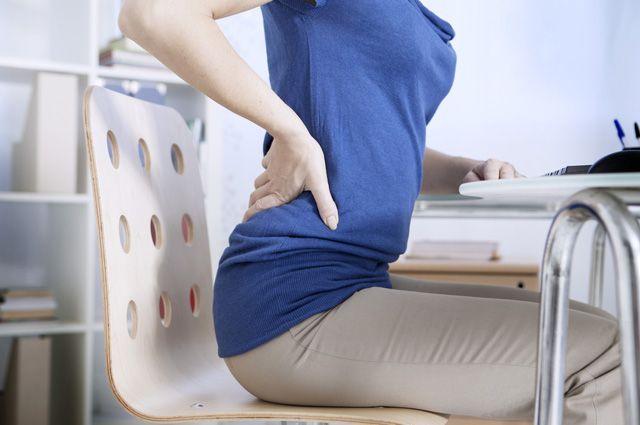 Болит спина после прыжков на батуте