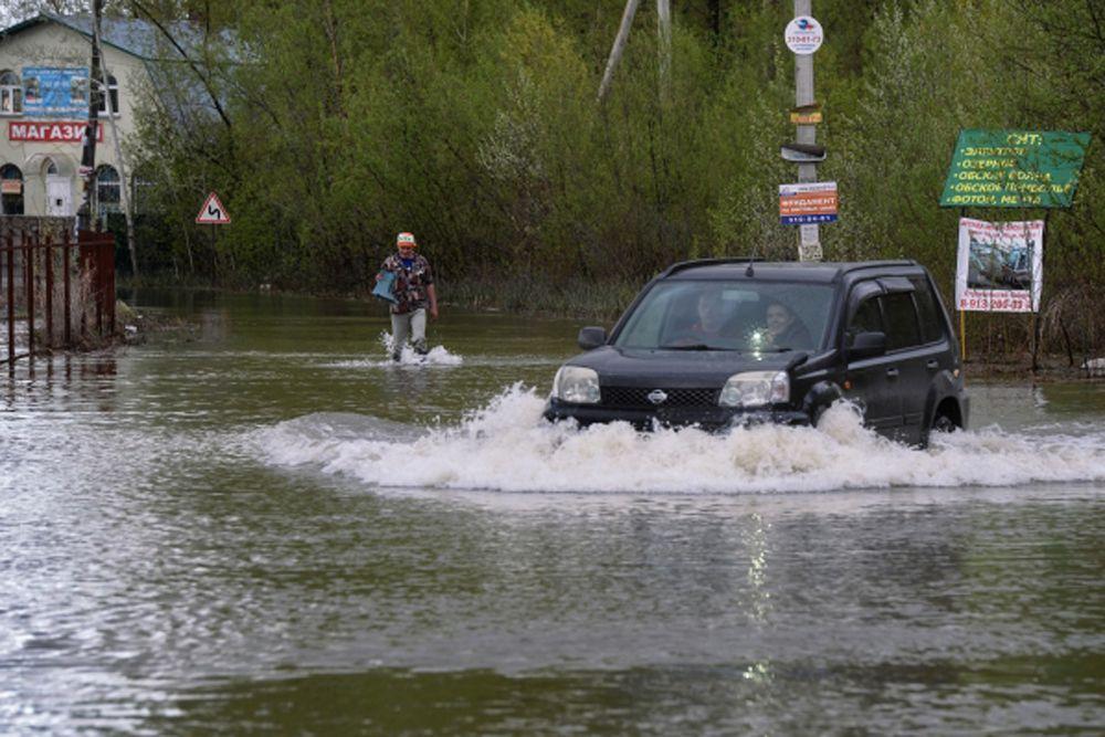 По данным Западно-Сибирского управления Гидрометслужбы, приток воды в водохранилище уже снизился с 7,5 до 7,3 тысячи кубометров в секунду.