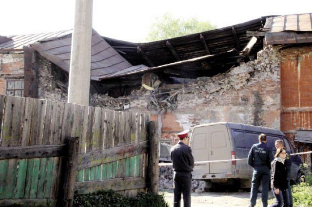 24 мая в Кунгуре дом по ул. Свердлова, 72, рухнул.
