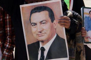 Экс-президент Египта Мубарак, осужденный на три года, вышел на свободу