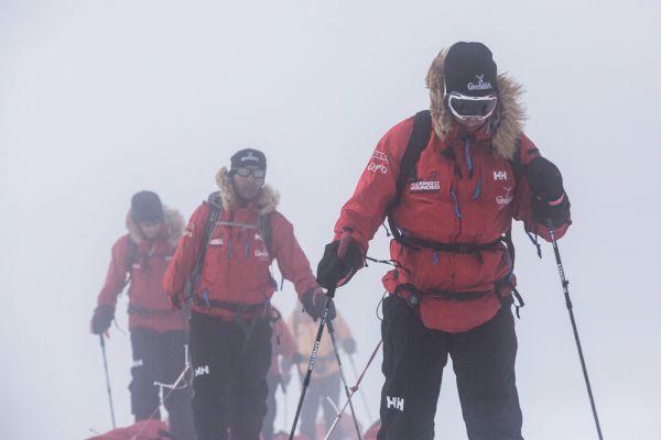 В 2014 году принц Гарри решил проверить собственные силы и выносливость и отправился в поход с ранеными военными в Антарктику. Экспедиция на Южный полюс носила название «Шагаем вместе с ранеными» и была направлена на сбор средств для переподготовки и переобучения вышедших из строя военнослужащих.