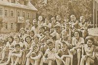 Пионерлагерь Литфонда во Внукове за год до эвакуации в Чистополь.