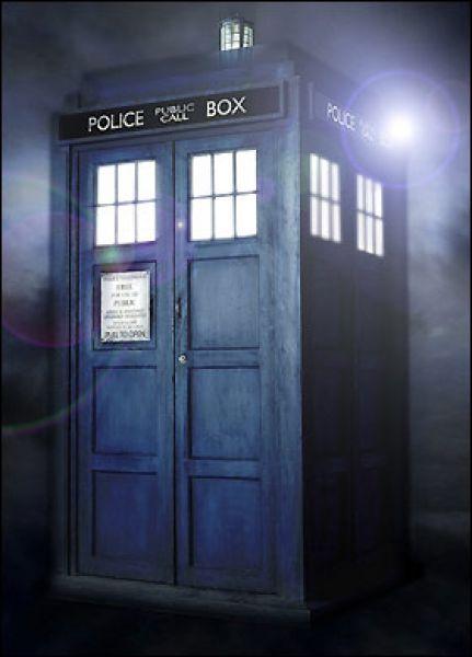Тардис - машина времени и космический корабль из британского телесериала «Доктор Кто».