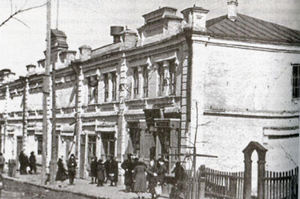 Кинотеатр в Чистополе, где проходили собрания и вечера с участием писателей