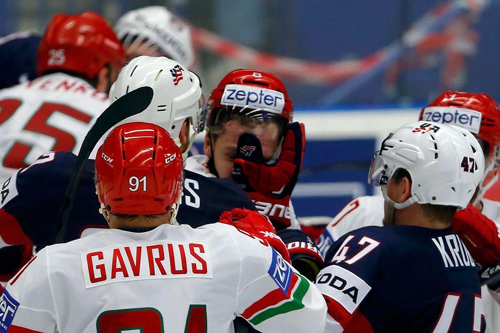 Потасовкв в матче США и Беларуси.
