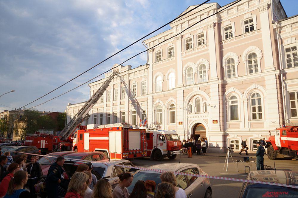 Площадь пожара составляла около 50 кв.метров.