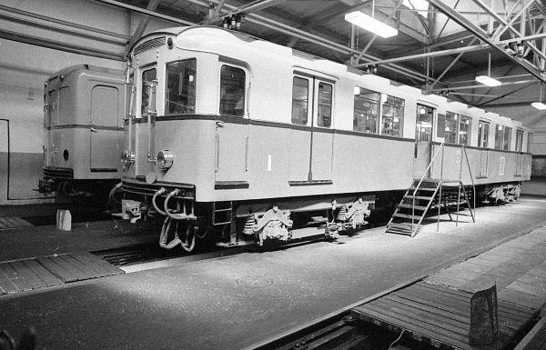 Вагон №1, построенный в 1934 году на Мытищинском вагоностроительном заводе.