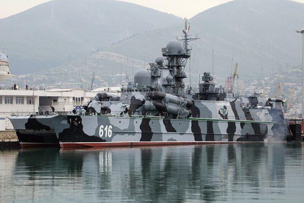Совместные военные учения России и Китая в Средиземном море демонстрируют укрепление связей между Москвой и Пекином и вызывают беспокойство западных стран, пишет The Daily Telegraph. Россия и Китай не формируют никакого официального альянса, но при этом считают, что их объединенная мощь послужит противовесом влиянию США. Обе страны модернизируют вооруженные силы и все больше сокращают отрыв от самых современных западных технологий, отмечает издание.