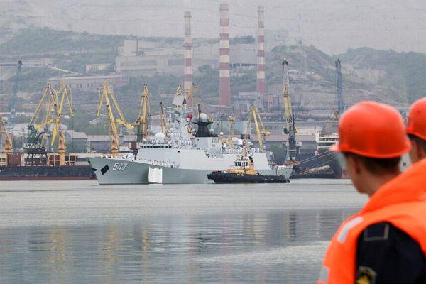 В американских и европейских СМИ расценили учения в качестве российско-китайского вызова Западу. «Хотя в учении на Средиземном море участвуют только два китайских корабля, это говорит о стремлении Китая помочь России противостоять американской мощи», — пишет, в частности, американский журнал National Review.